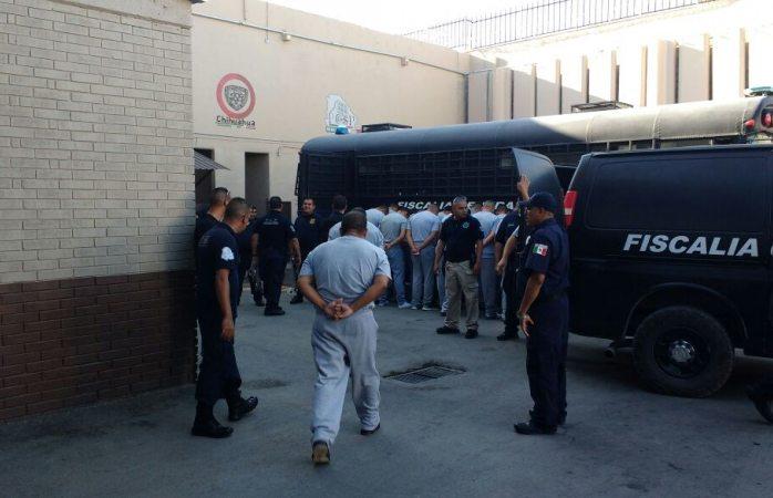 Trasladan a 112 internos del Cereso a Juárez