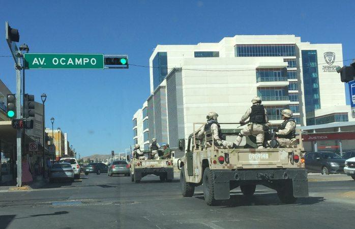 Causa expectación llegada de militares a la Ciudad Judicial