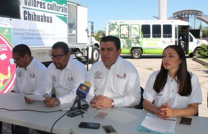 Inaugura diputado Domínguez biblioteca móvil