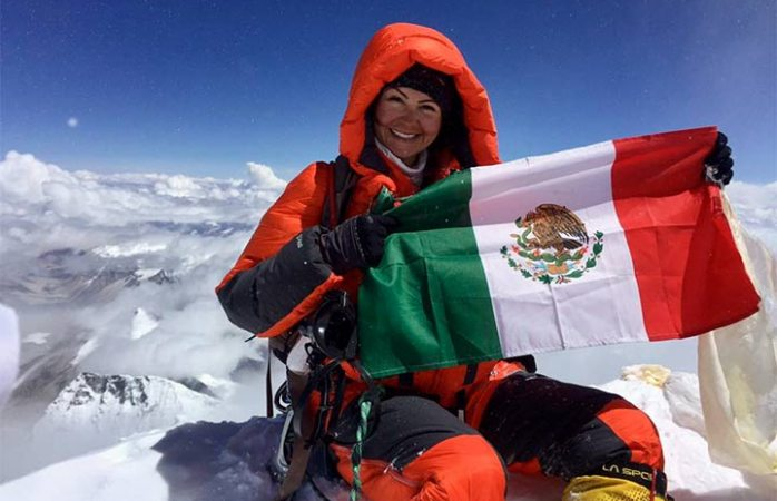 Alpinista mexicana conquista el Everest