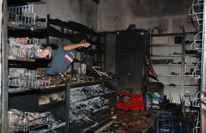 Se incendia tienda en la colonia Junta de los Ríos