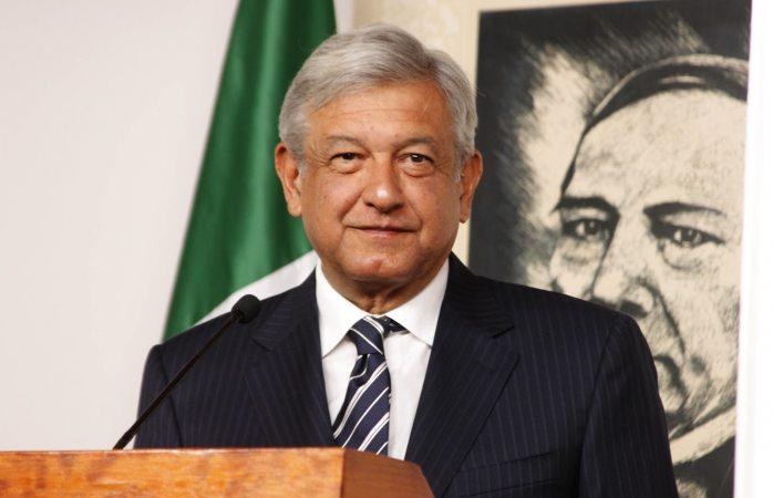 Cumple Andrés Manuel López Obrador 64 años