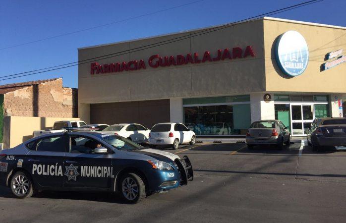 Pega delincuencia desde temprano en asalto a farmacia Guadalajara