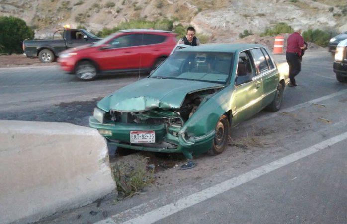 Choca conductora contra muro de contención en el Toledano