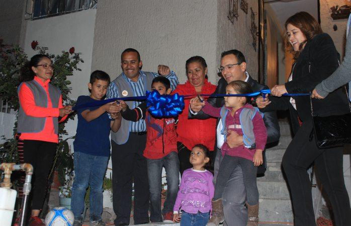Reconstruyen casa incendiada a familia de 8 integrantes
