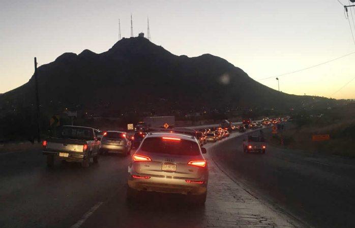Se congestiona rúa a Aldama por obras de ampliación