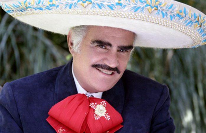 Conoce a la mujer que trae loco a Vicente Fernández