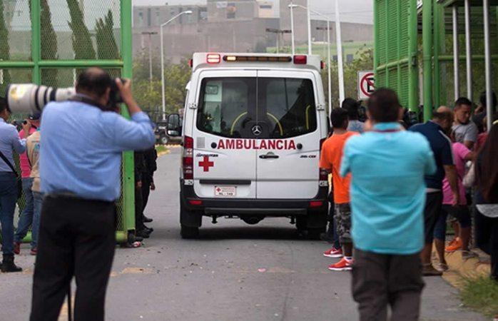 Deja 13 muertos disturbios en penal de Cadereyta