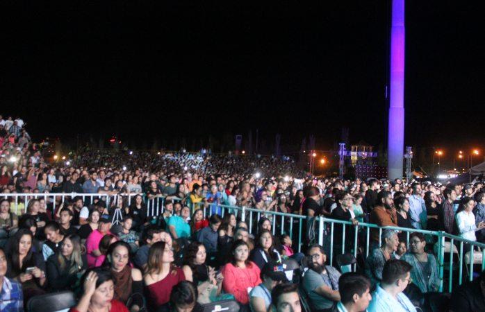 Enloquece Juanes a 10 mil personas en El Palomar
