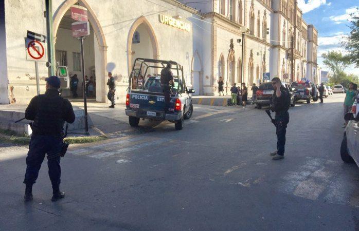 Balacera en Madera dejó una muerta, un herido y tres policías lesionados al chocar