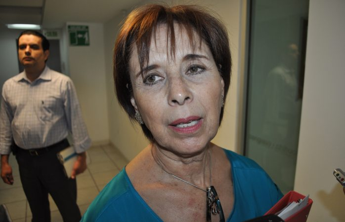 Sin decidir Blanca Gámez votar a favor o no ley Issa
