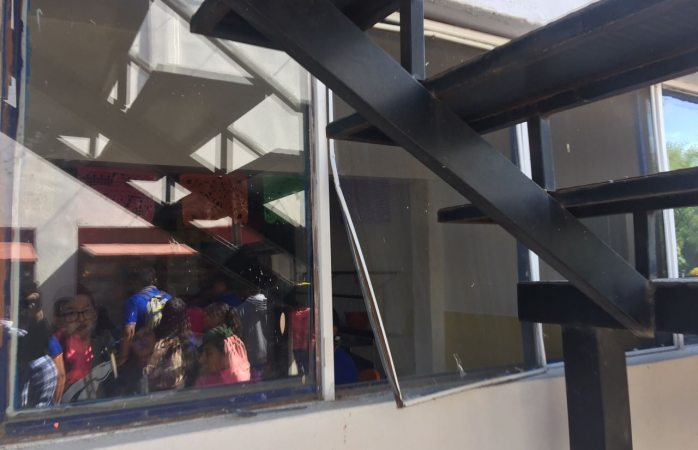 Roban mil pesos de cafeteria de la Maestros Mexicanos