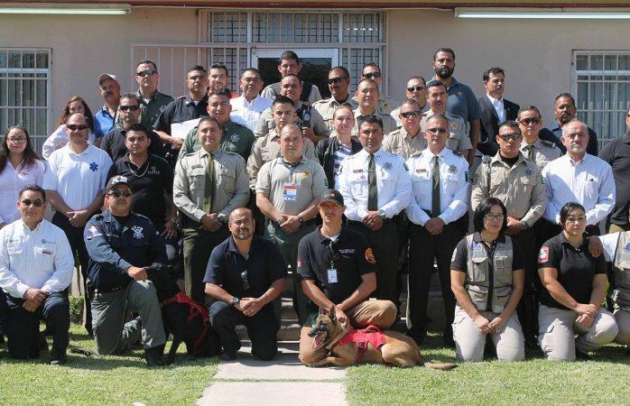 Reconocen a voluntarios por labores de rescate durante sismo