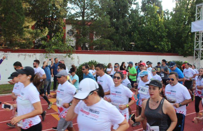 Participan 700 corredores en primera carrera Cruz Roja