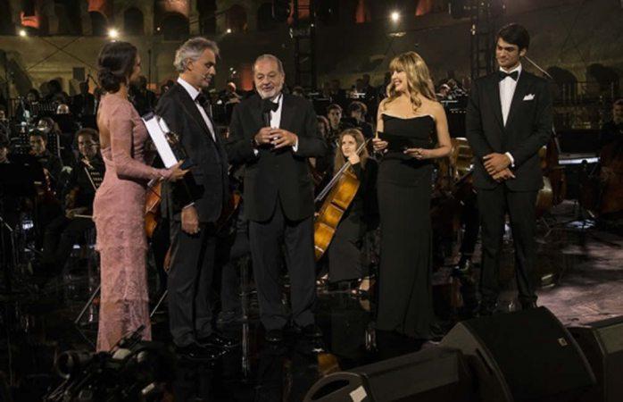 Otorga premio humanitario la Fundación Andrea Bocelli a Carlos Slim