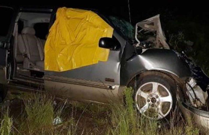 Mueren dos en choque en la carretera a Tonachi