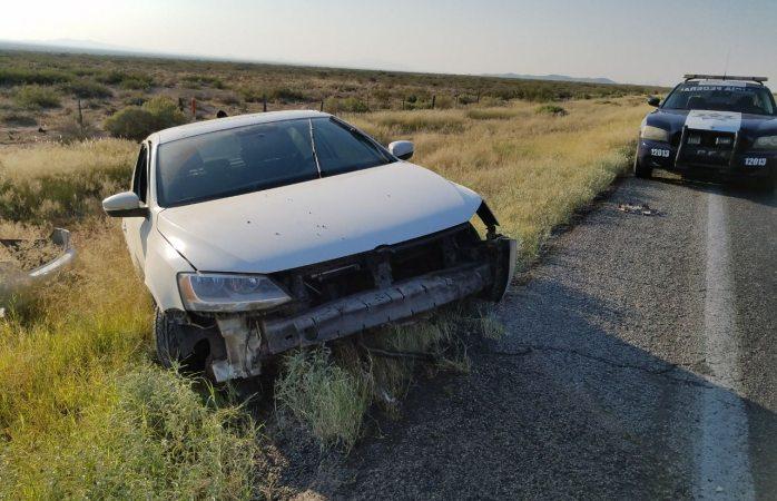 Se sale de la carretera Chihuahua-Juárez