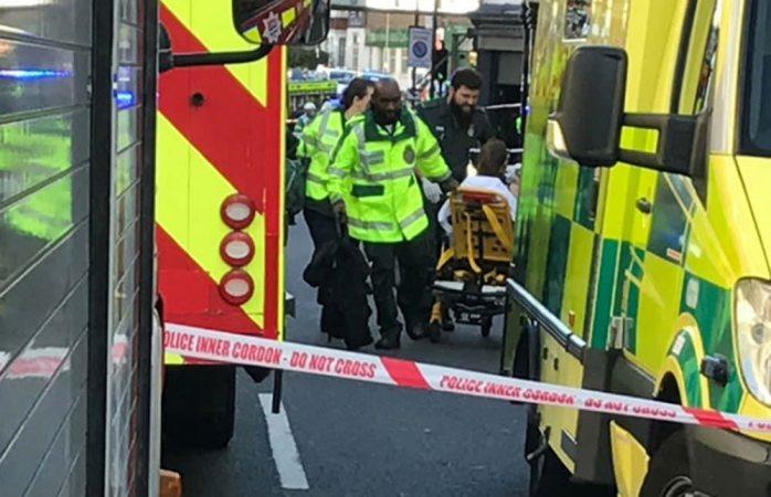 Londres investiga explosión en Metro como ataque terrorista