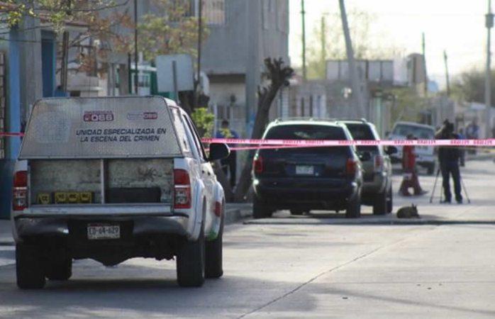 Atacan a balazos dos a bordo de camioneta en Juárez