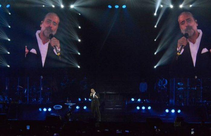 El Potrillo llora por damnificados en concierto y dona las entradas