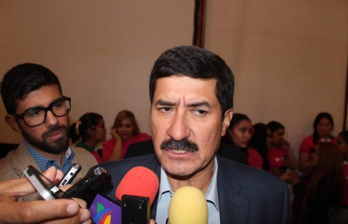 Javier Corral hará gira en EU para solicitar extradición de Duarte