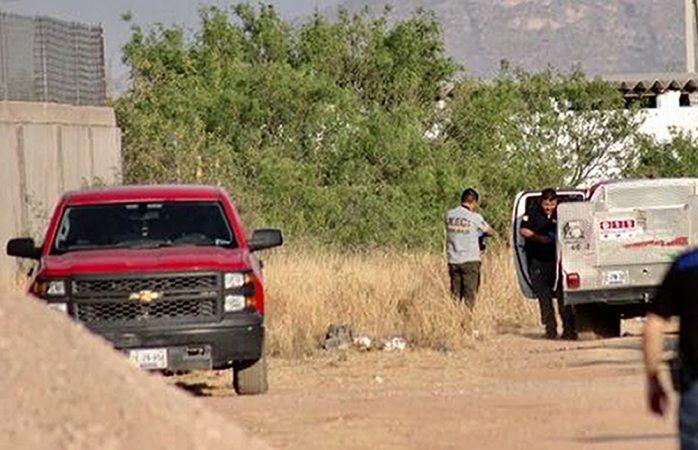 Aseguran droga y armas en la camioneta abandonada