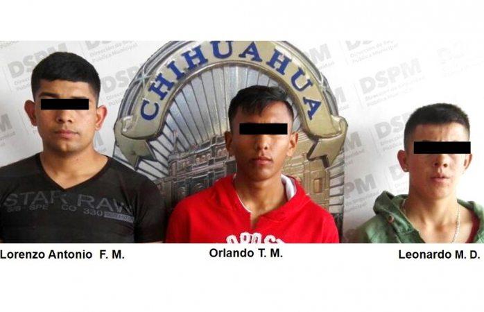 Presentan a detenidos por incendio y daño a agencia Toyota