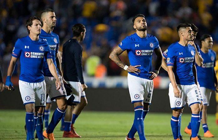 Cruz Azul reacciona tarde y empata con Tigres