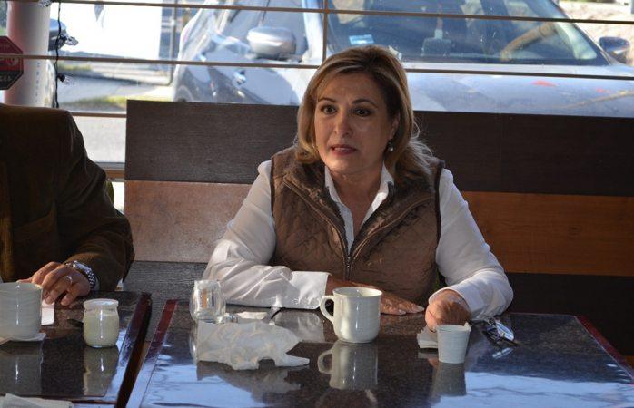 Intercambian puntos de vista Minerva Castillo y Asociación de Editorialistas