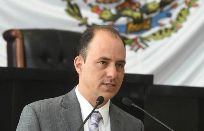 Propone Soto panel de especialistas para elegir auditor y genera debate