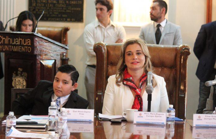 Asumen cargos directores y cabildo infantil