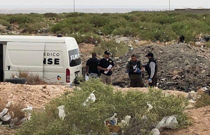 Encuentran decapitado en lote baldío en Juárez