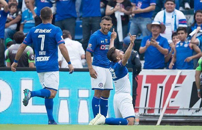 Cruz Azul se despide con triunfo de su estadio tras 22 años