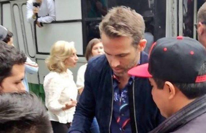 Ryan Reynolds paseó en micro por ReForma en Cdmx
