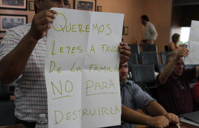 Exigen ciudadanos pro familia rechazar divorcio administrativo