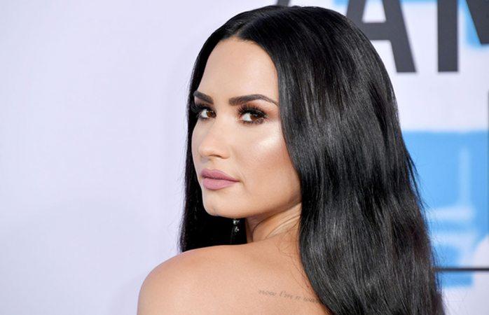Demi Lovato continúa grave en el hospital