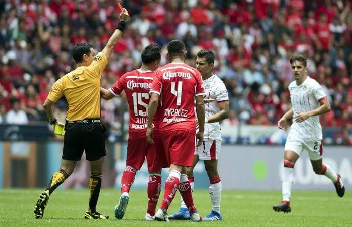 Chivas araña primer punto en el torneo ante Toluca