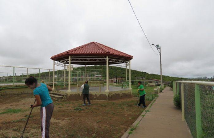 Implementa Gobierno Municipal cuadrillas de apoyo comunitario en la zona rural