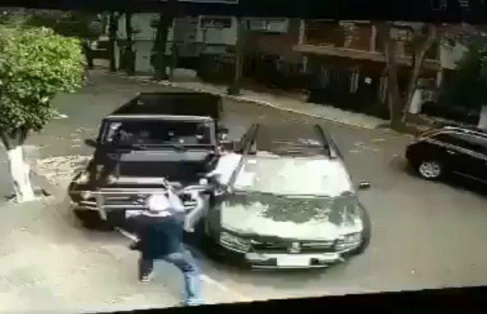Automovilista frustra intento de robo en Cdmx