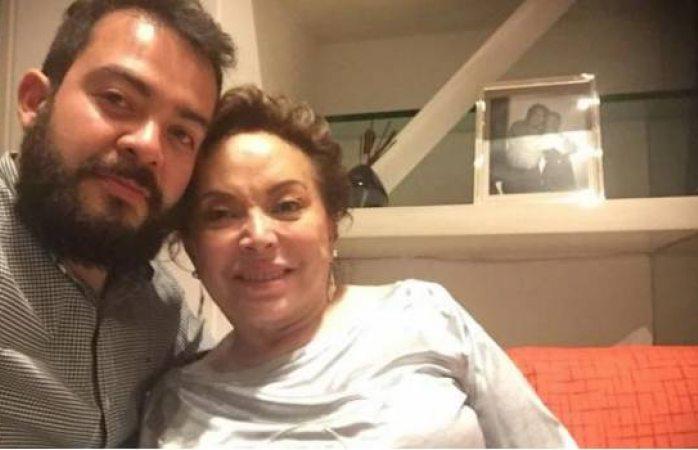 Reaparece Elba Esther en redes sociales tras liberación