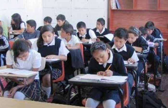 Piden modificar horario de niños para regreso a clases