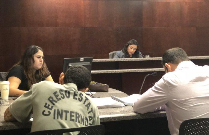 Presentan ante juez al que presuntamente intentó ejecutar a policías