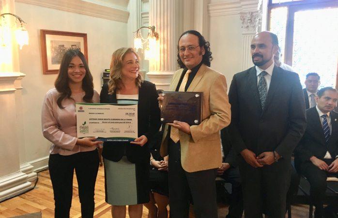 Entrega ayuntamiento premio municipal del Cuidado al Medio Ambiente