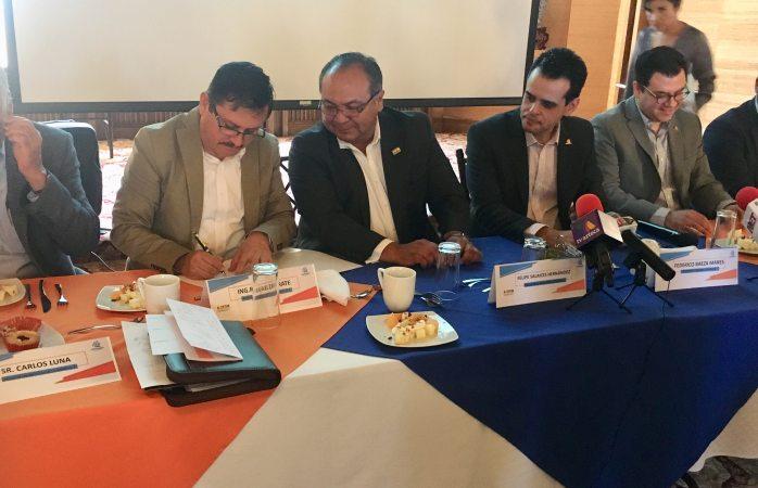 Firman convenio Coparmex y Asofom para facilitar créditos a empresas