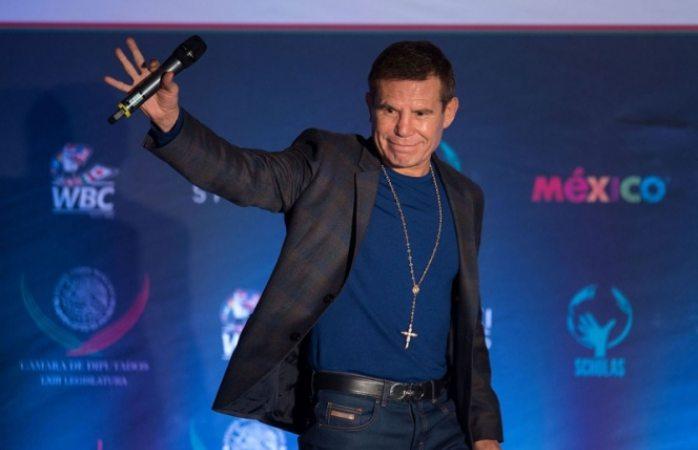 Canelo puede vencer a Golovkin, asegura JC Chávez