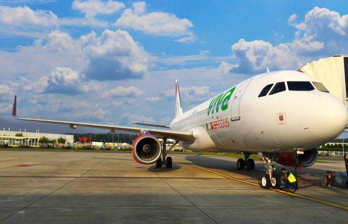 Regresan avión Viva Aerobús a aeropuerto por falsa alarma