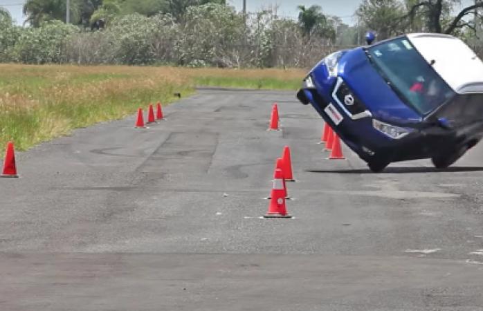 Impresionante prueba de camioneta Nissan deja con la boca abierta a usuarios