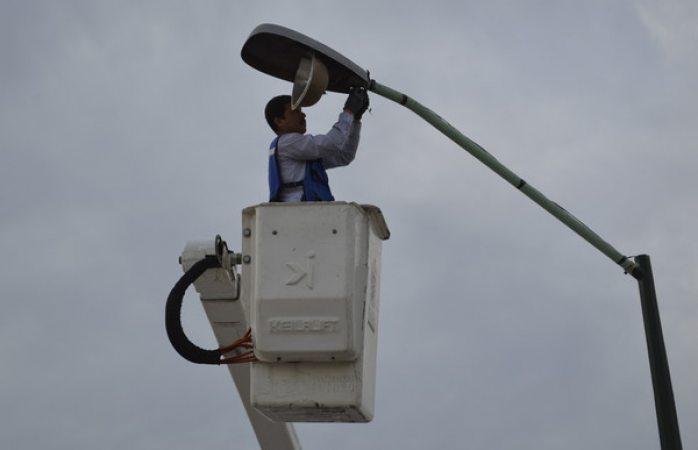 Reemplazará Mantenimiento Urbano 20 luminarias de parque El Rejón