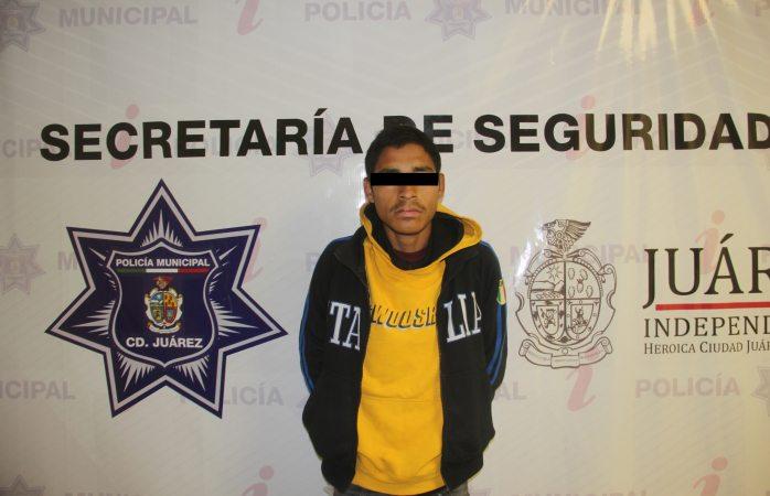 Arrestan a 2 por robo a comercio en Juárez