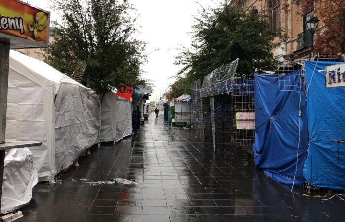 Fuerte rumor de desalojo de ambulantes en plaza de armas